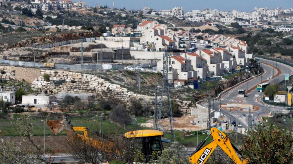Radical settlers seize Palestinian lands east of Bethlehem