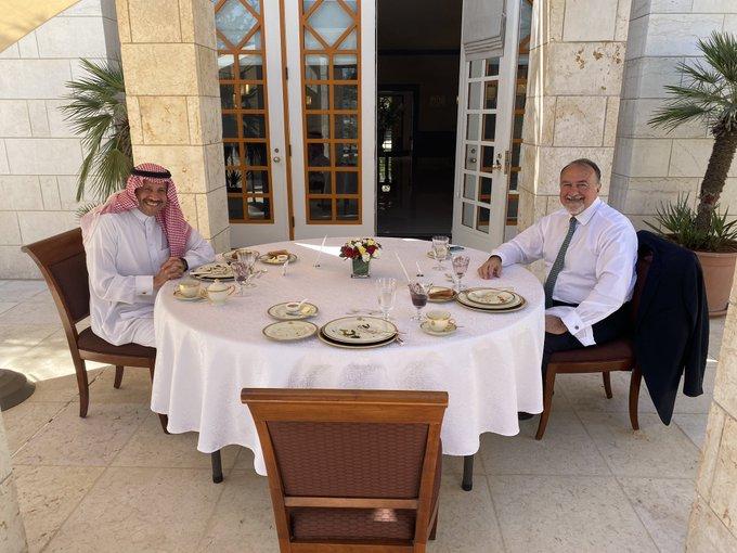 US Ambassador to Jordan receives Saudi counterpart