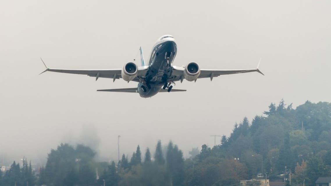 Blocking middle seats on planes reduces COVID-19 virus risk: Study