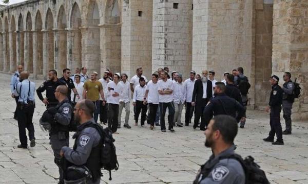 Extremist settlers storm Al-Aqsa under Israeli police escort