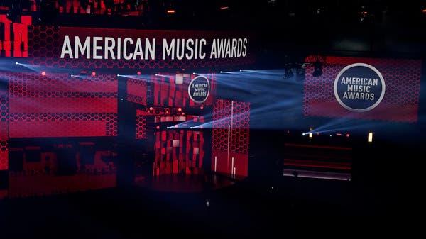 Taylor Swift wins third consecutive artist of the year at AMAs