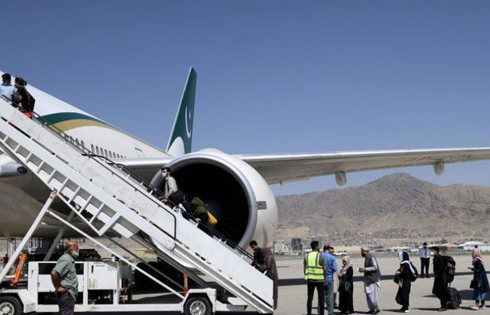 Afghanistan: Kabul airport officially reopens under Taliban rule