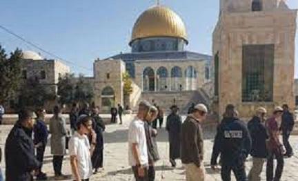 Radical settlers storm Al-Aqsa Mosque