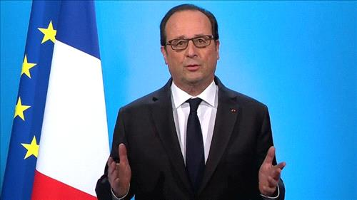 Hollande reappoints major figures to new French government
