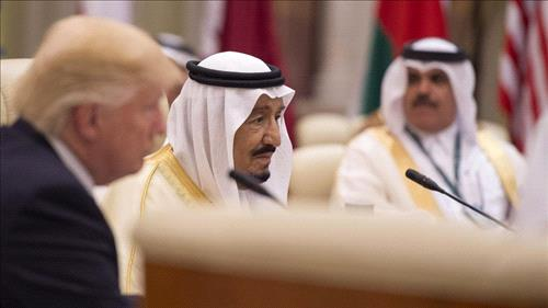 Trump builds ties with Arab allies in Riyadh