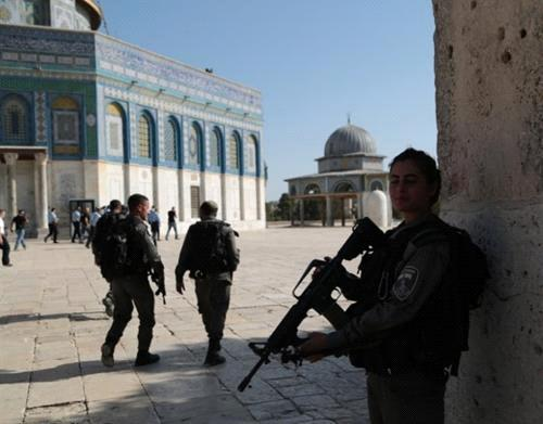Jerusalem's religious figures call for not using Israel's e-gates at Aqsa