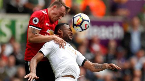 Man Utd net three goals in four minutes to thrash Swansea